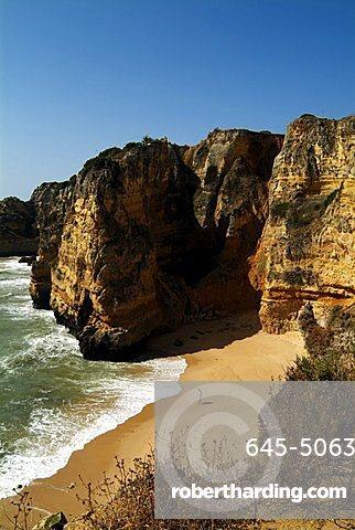 Praia da Dona Ana beach near Lagos, Western Algarve, Portugal