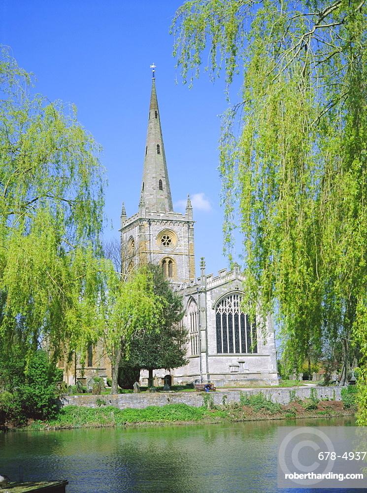Holy Trinity church from the River Avon, Stratford-upon-Avon, Warwickshire, England, UK, Europe