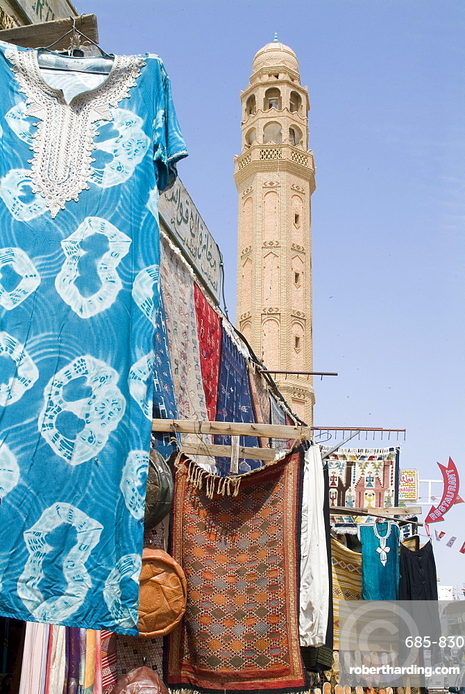 Main street, Tozeur, Tunisia, North Africa, Africa
