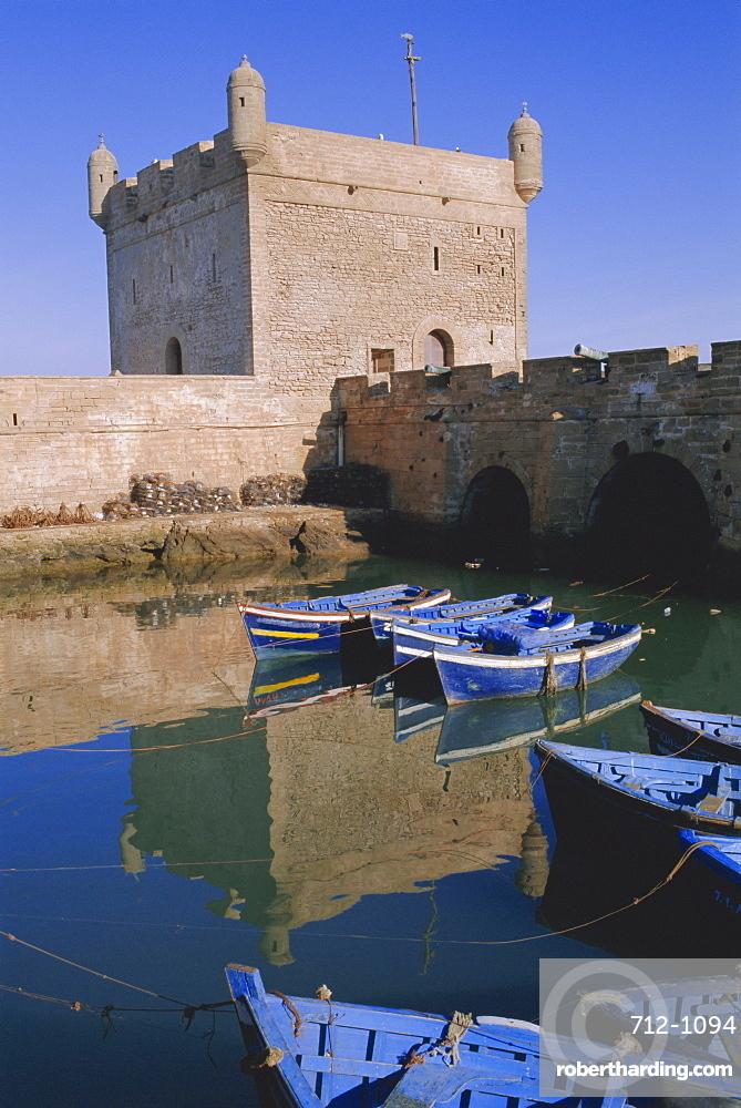 Fishing harbour and port skala (fort), Essaouira, Atlantic Coast, Morocco, North Africa, Africa