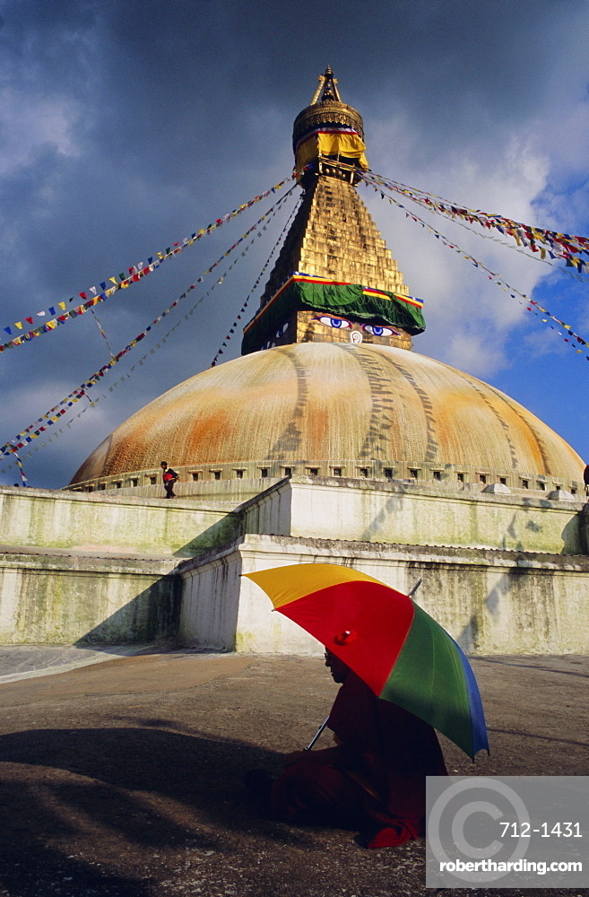 Buddhist stupa at Bodnath (Bodhnath (Boudhanath), Kathmandu Valley, Nepal, Asia