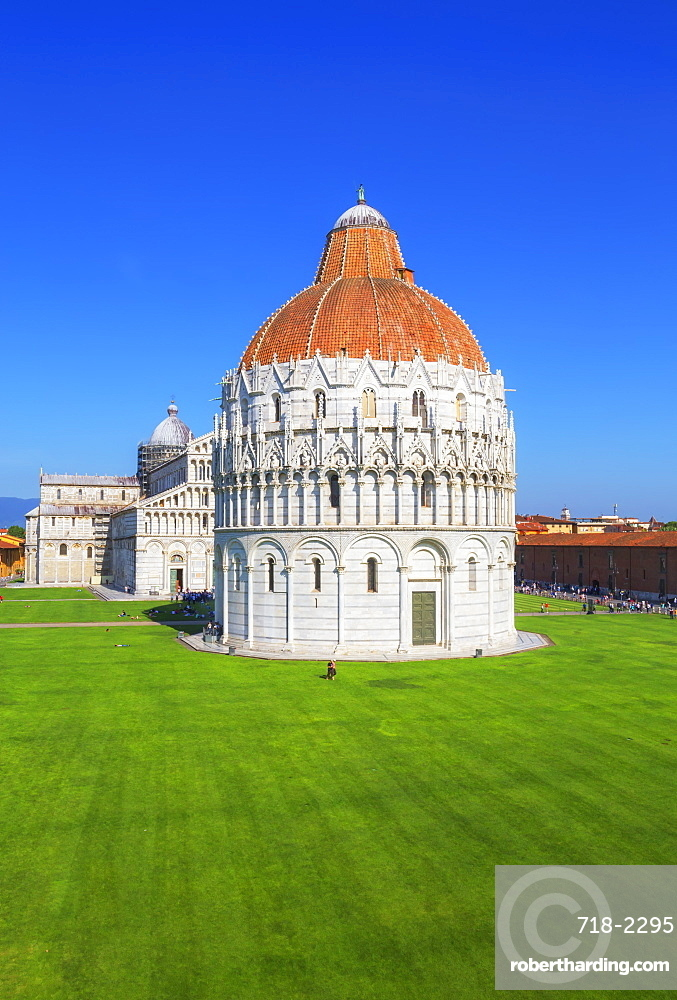 Baptistery and Cathedral view, Campo dei Miracoli, UNESCO World Heritage Site, Pisa, Tuscany, Italy, Europe