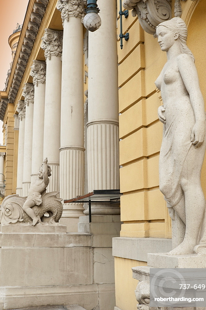 Statues and decorations around entrance of Szechenyi Baths, City Park, Budapest, Hungary, Europe