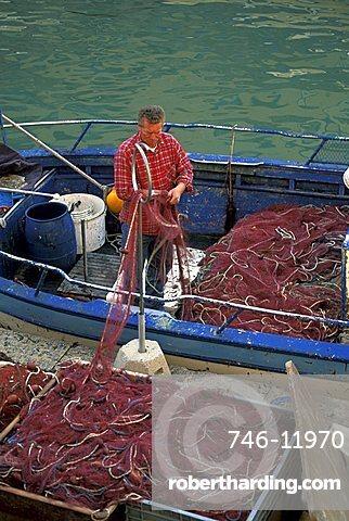 Fisherman, Livorno, Tuscany, Italy