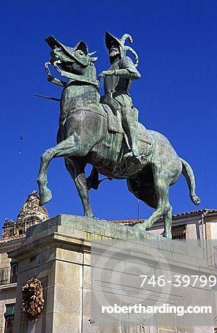 Francisco Pizarro monument, Plaza Major, Trujillo, Extremadura region, Spain, Europe