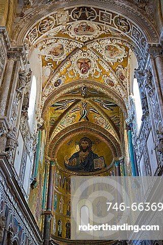 Interior, Cefalù Cathedral, Sicily, Italy