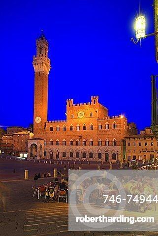 Piazza del Campo square, historic centre, UNESCO World Heritage Site, Siena, Tuscany, Italy, Europe