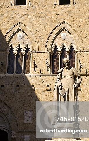 Montepaschi Bank palace, Piazza Salimbeni, Siena city, Tuscany, Italy, Europe