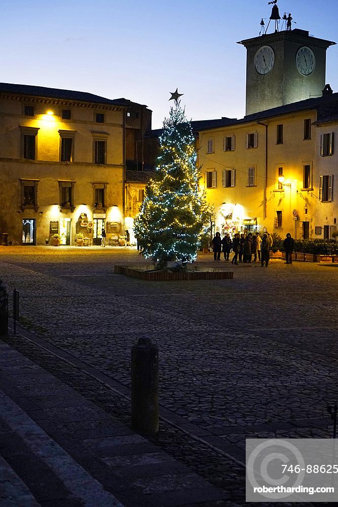 Piazza del Duomo square, Orvieto, Umbria, Italy, Europe