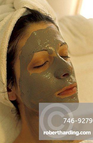 Massage and mud treatment, Il Piccolo Castello wellness center, Monteriggioni, Tuscany, Italy