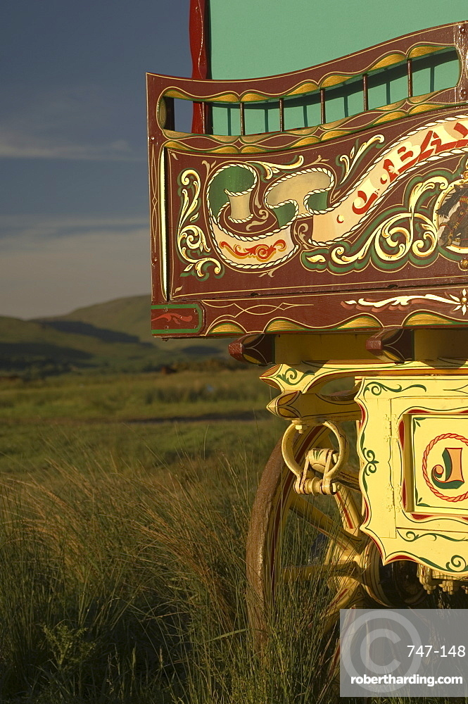 Horse drawn caravan, Appleby annual horse fair, Eden Valley, Lake District, Cumbria, England, United Kingdom, Europe