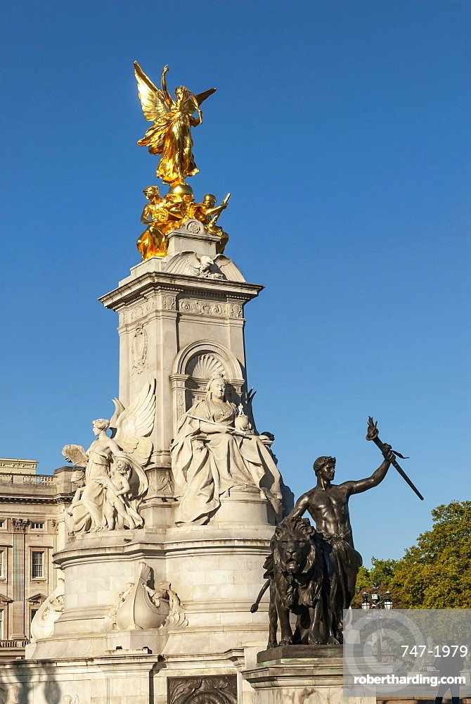 Queen Victoria Monument, Buckingham Palace, The Mall, London, England, United Kingdom, Europe