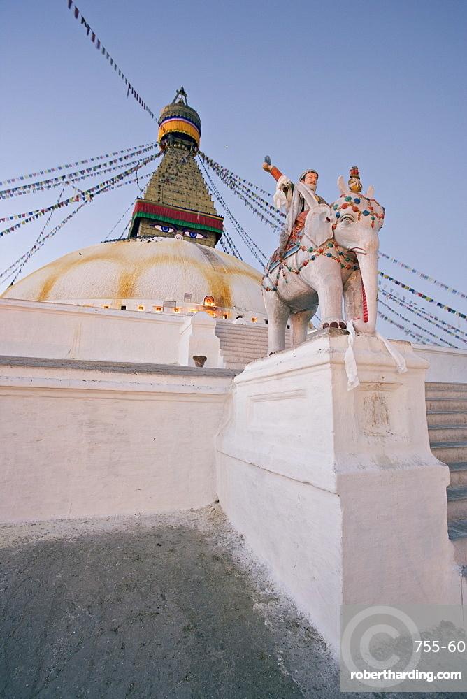Dawn at Boudha, the Tibetan Buddhist stupa at Bodhnath, UNESCO World Heritage Site, Kathmandu, Nepal, Asia