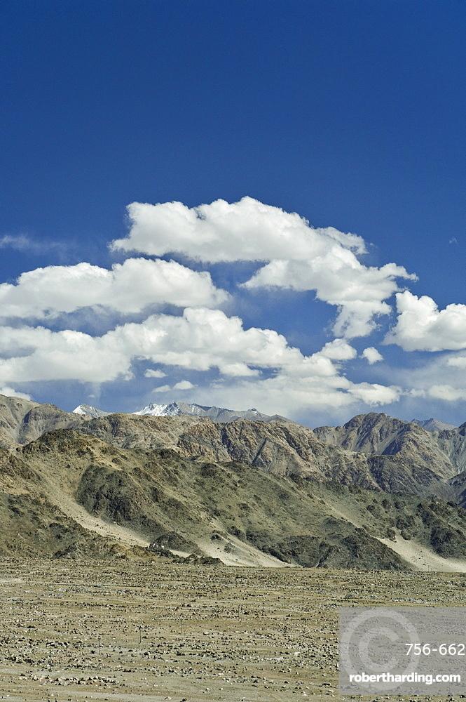 Indus Valley and Ladakh Range, Tikse (Tiksay), Ladakh, Indian Himalaya, India, Asia