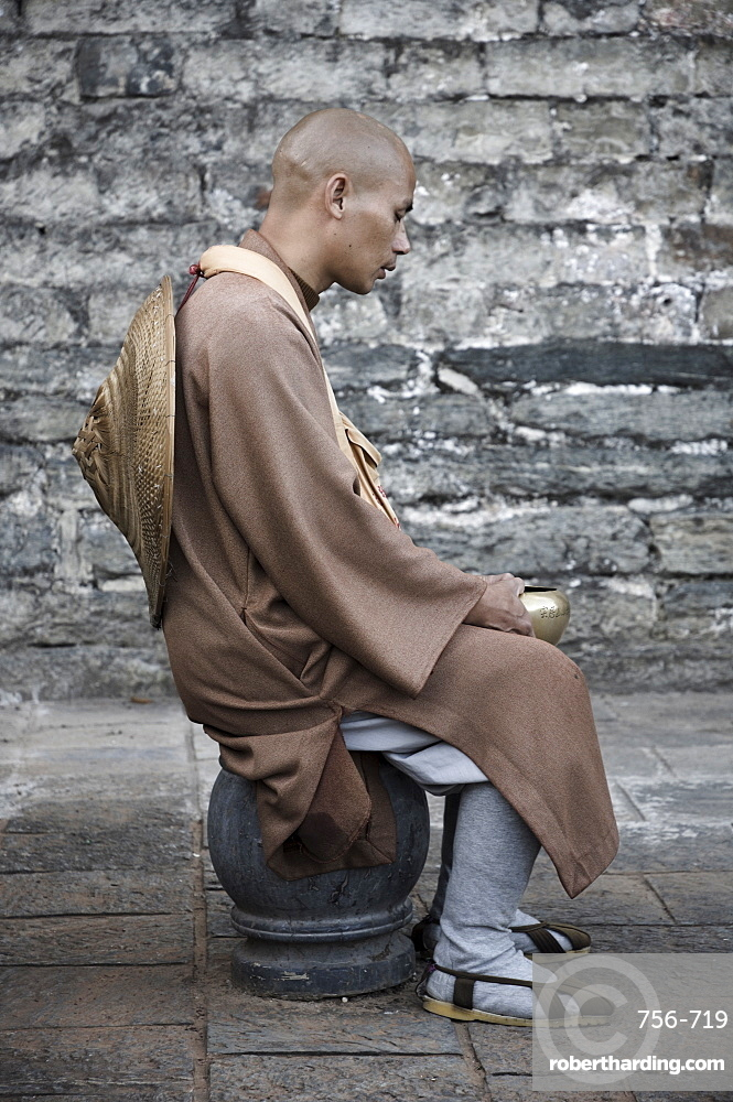 Monk, Dali Old Town, Yunnan Province, China, Asia