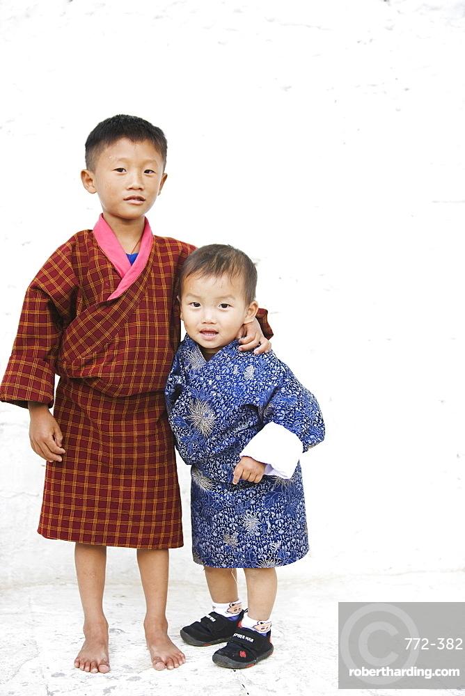 Bhutanese boys, Trashi Chhoe Dzong, Thimphu, Bhutan, Asia
