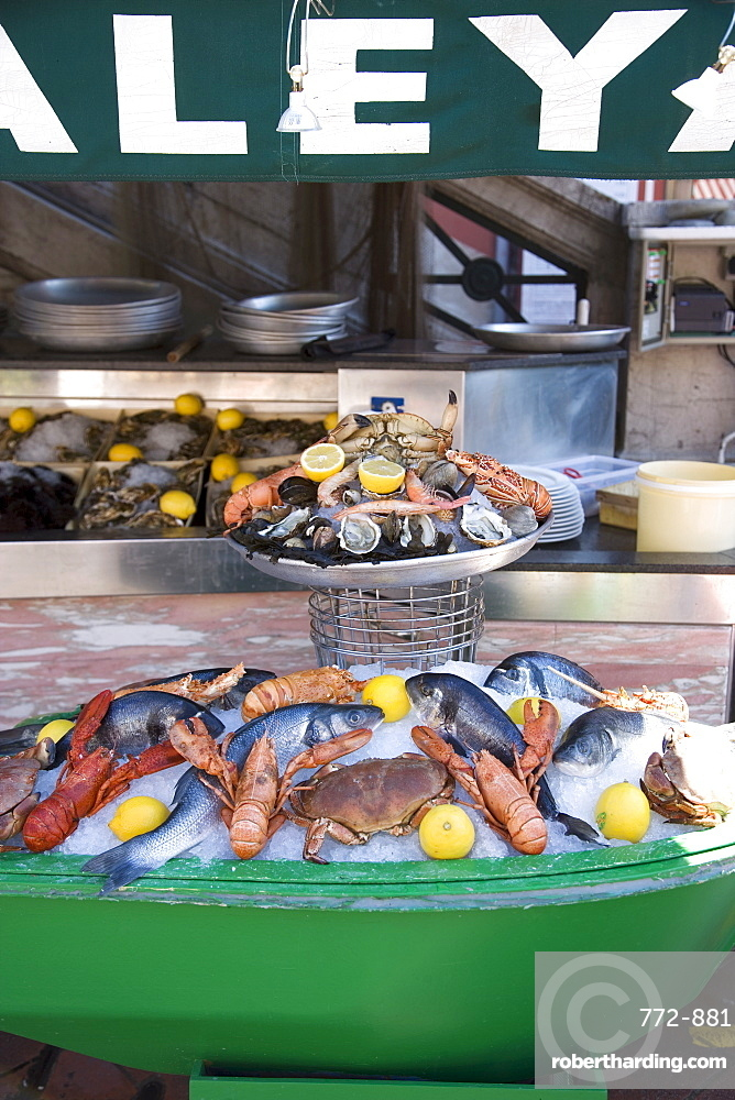 Seafood restaurant, Nice, Alpes Maritimes, Provence, Cote d'Azur, French Riviera, France, Europe