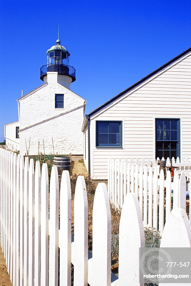 Old Point Loma light and keeper's house, Cabrillo National Monument, San Diego, California, United States of America, North America