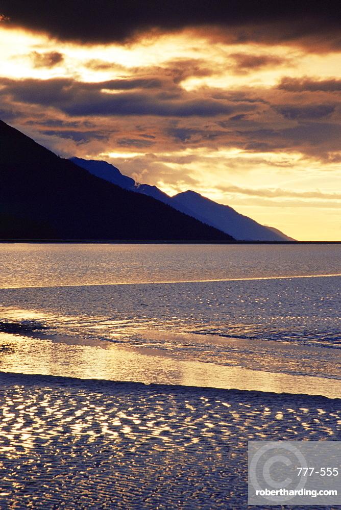 Low tide, Turnagain Arm, Cook Inlet, Seward Scenic Highway, Alaska, United States of America, North America