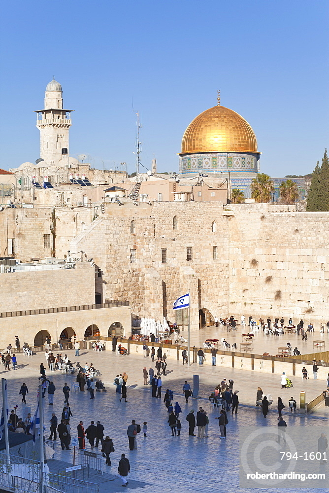 Jewish Quarter of the Western Wall Plaza and Dome of the Rock above, Old City, UNESCO World Heritage Site, Jerusalem, Israel, Middle East