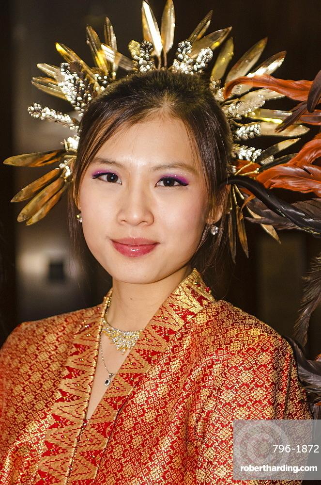 Malaysian female dancer in traditional costume, Malaysia, Southeast Asia, Asia