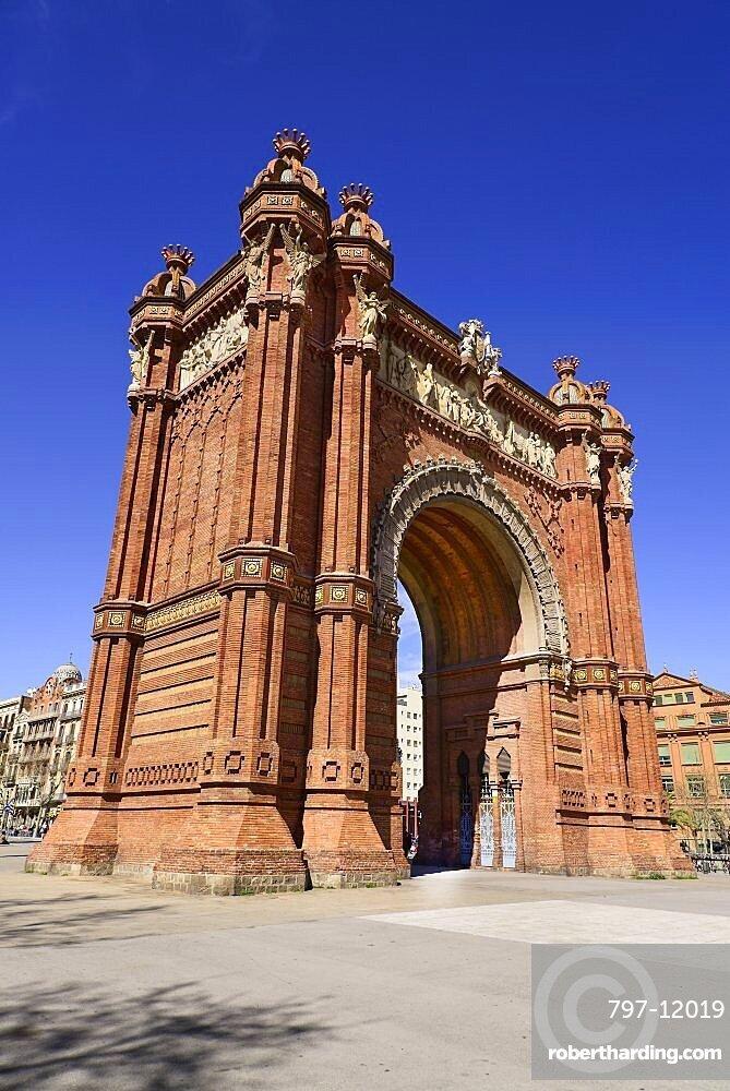 Spain, Catalunya, Barcelona, Parc de la Ciutadella, Arc de Triomf built for the 1888 Universal Exhibition.