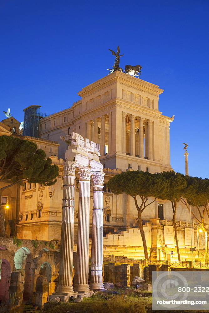 National Monument to Victor Emmanuel II and Roman Forum, UNESCO World Heritage Site, at dusk, Rome, Lazio, Italy, Europe