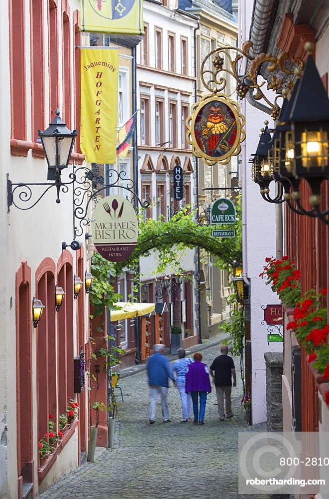 Street scene, Bernkastel-Kues, Rhineland-Palatinate, Germany, Europe