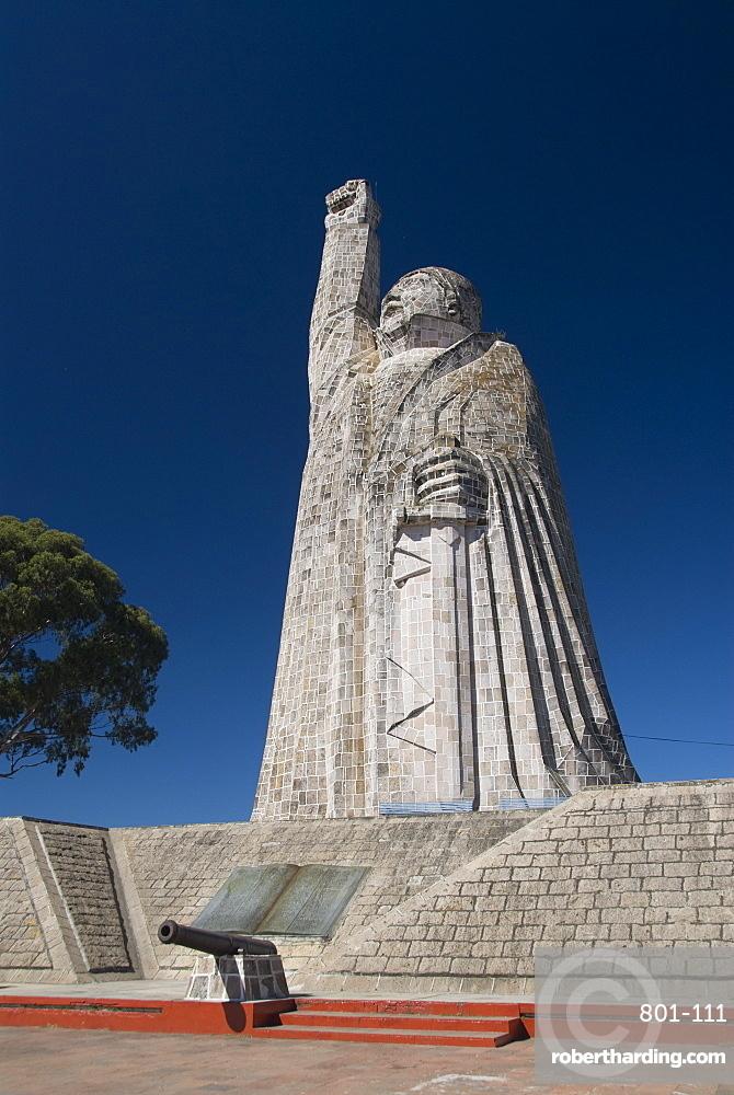 Statue of Jose Maria Morelos, a revolutionary hero, Isla Janitzio, Lago de la Patzcuaro, Patzcuaro, Michoacan, Mexico, North America