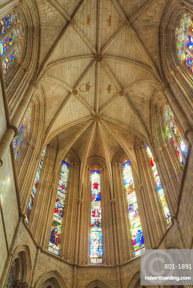 Nave, The Dominican Abbey of Santa Maria da Vitoria, UNESCO World Heritage Site, Batalha, Leiria District, Portugal, Europe