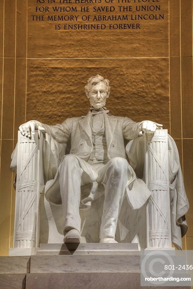 Evening, Statue of Abraham Lincoln, Lincoln Memorial, Washington D.C., United States of America, North America