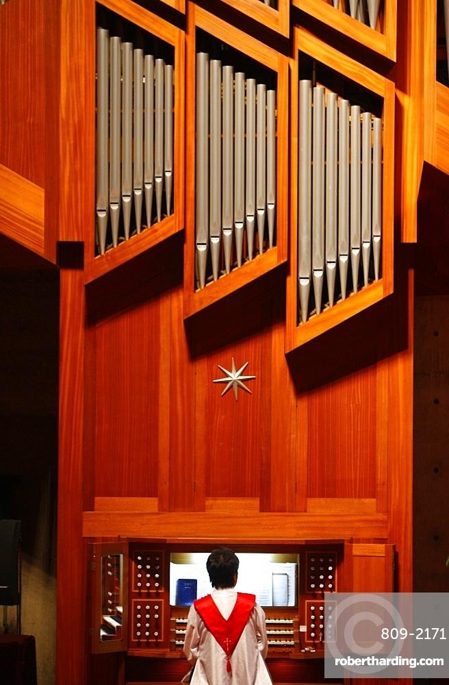 Organ player, Presbyterian temple service, Seoul, South Korea, Asia