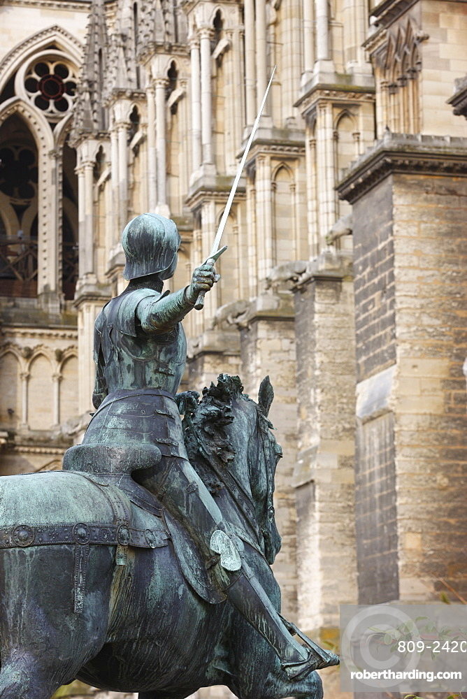 Statue of Joan of Arc outside Reims cathedral, Reims, Marne, France, Europe