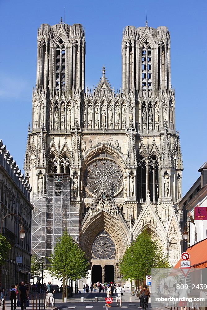 West front, Reims Cathedral, UNESCO World Heritage Site, Reims, Marne, France, Europe