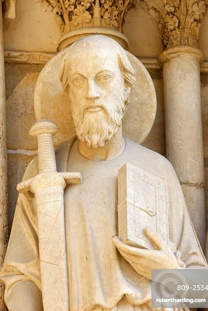 Statue of St. Paul on cathedral's westen wing, Last Judgment door, Notre Dame de Paris, Paris, France, Europe