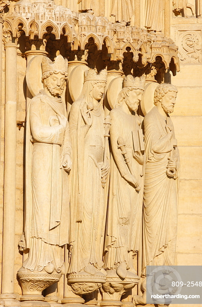 St. Anne's gate sculptures of King and Queen of Sheba, Solomon and St. Peter, west front, Notre Dame Cathedral, UNESCO World Heritage Site, Paris, France, Europe