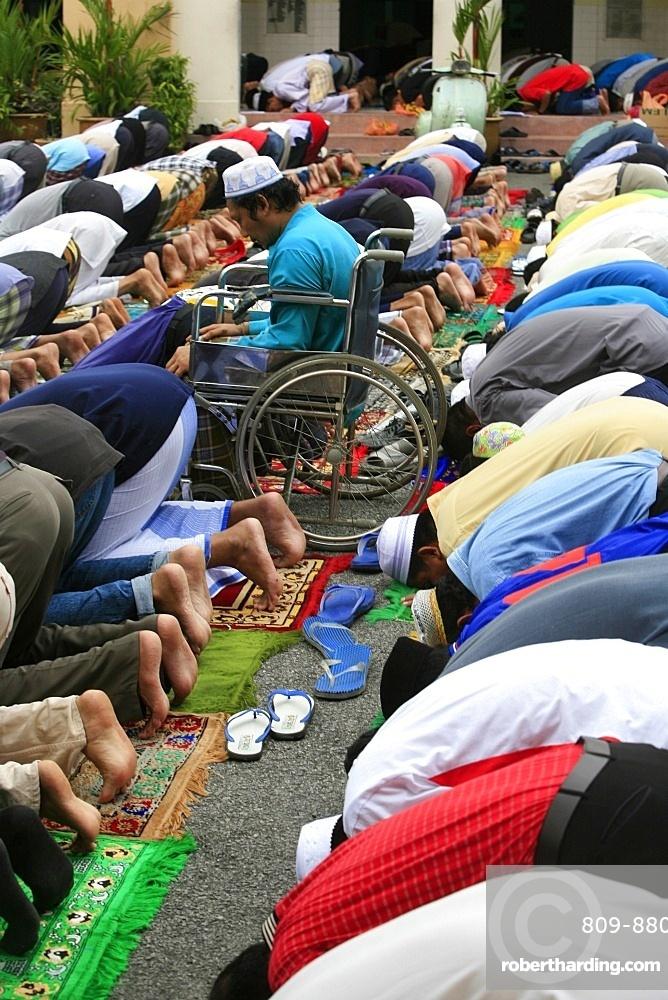 Friday prayers, Masjid Kampung Mosque, Kuala Lumpur, Malaysia, Southeast Asia, Asia