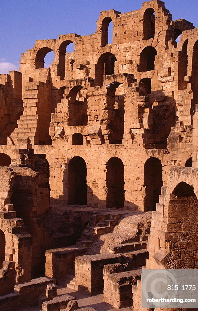 Roman amphitheatre, El Djem, (El Jem), UNESCO World Heritage Site, Tunisia, North Africa, Africa