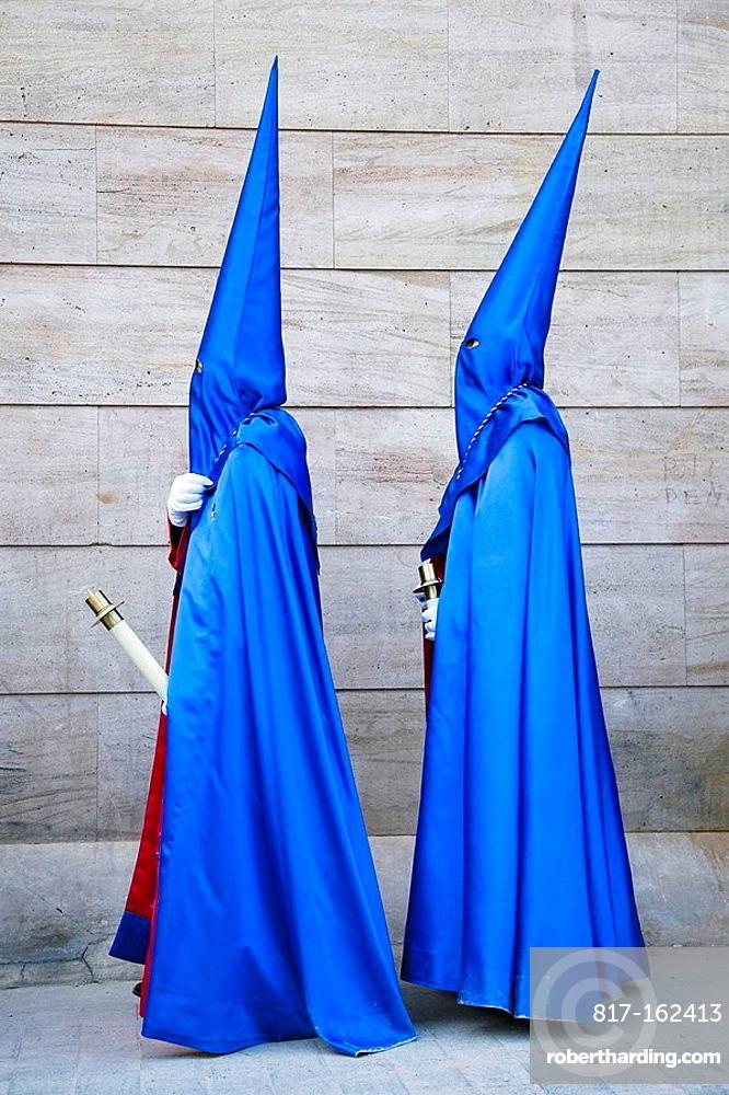 Nazarenos, procession of Hermandad Agustina Nuestro Padre Jesus Despojado de sus Vestiduras, Easter, Alicante, Comunidad Valenciana, Spain