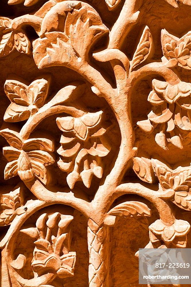 TURKEY, Anatolia, Dogubayazit, Ishak Pasa Palace, Second courtyard, Tomb richly decorated with seljuk carvings of the Tree of Life