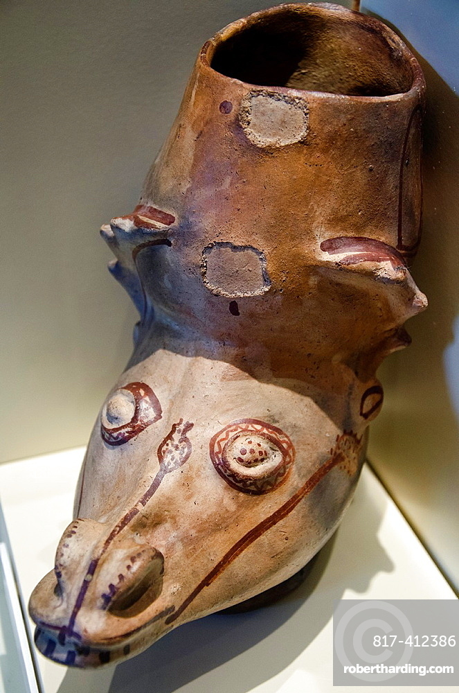 Ceramic vessel Chachapoyas culture 900AC-1470AC Peru