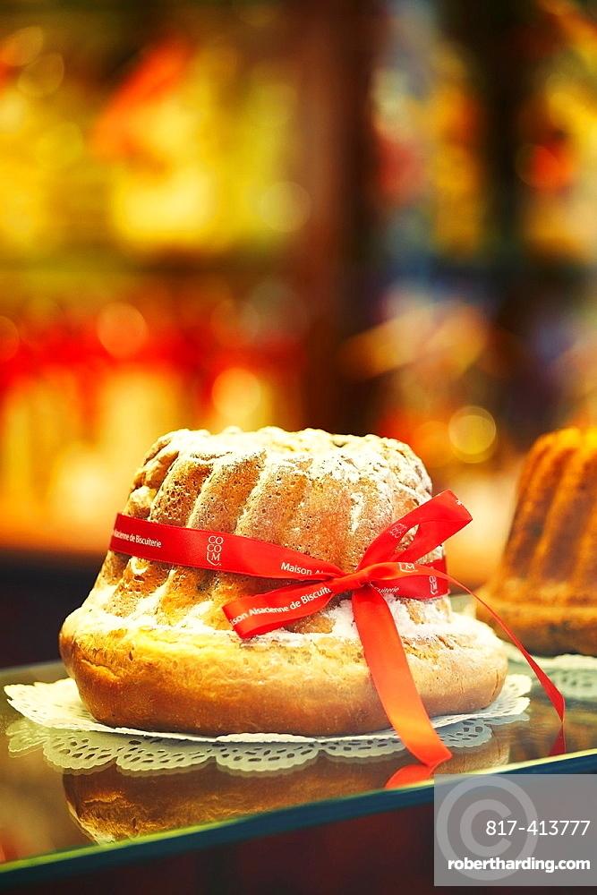 Kougelhopf, famous alsatian yeast ring cake, at the ¥Maison Alsacienne de biscuiterie¥ display window Colmar France