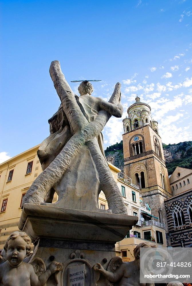 Statue of Saint Andrew in front of the Amalfi Cathedral at the Piazza Duomo, Amalfi, Amalfi coast, Costiera Amalfitana, Province of Salerno, Campania, Italy, Europe