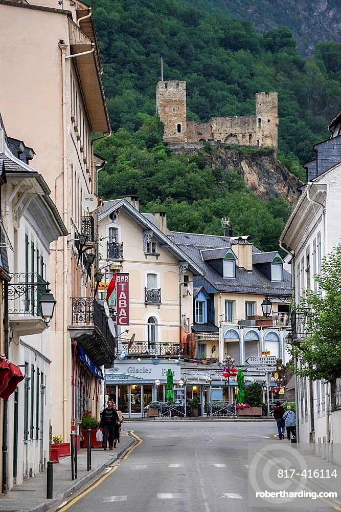 Small town Luz-Saint-Sauveur with ruins of castle of St. Mary over it. Hautes-Pyrenees, France.