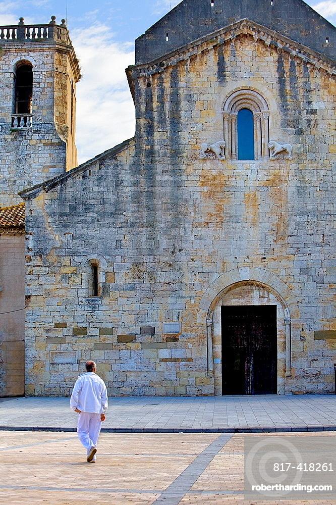 Sant Pere¥s church of Benedictine Monastery,Besalu, La Garrotxa, Girona, Spain