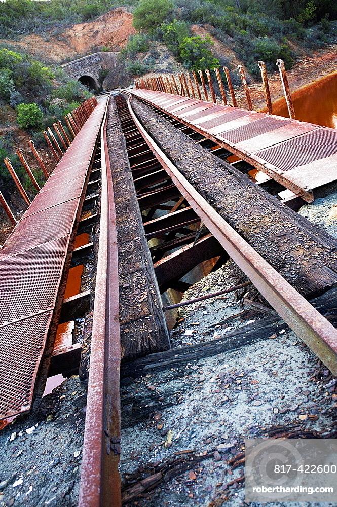 railroads leak deformed and abandoned, Rio Tinto basin, Huelva, Andalucia, Spain, Europe