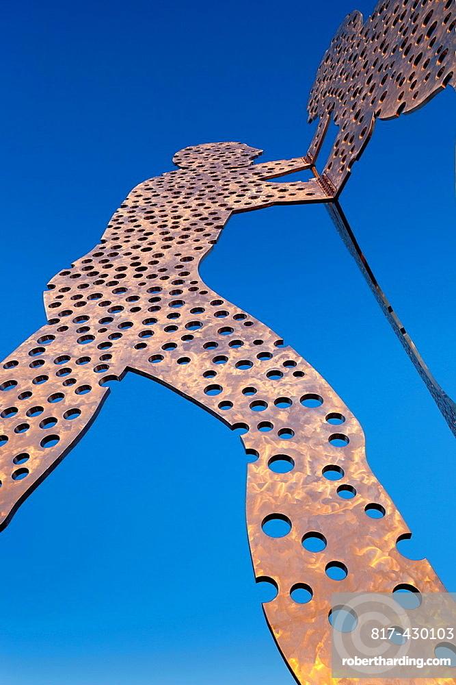 USA, Iowa, Council Bluffs, Missouri Riverfront, Molecule Man, sculpture by Jonathan Borofsky, 2008