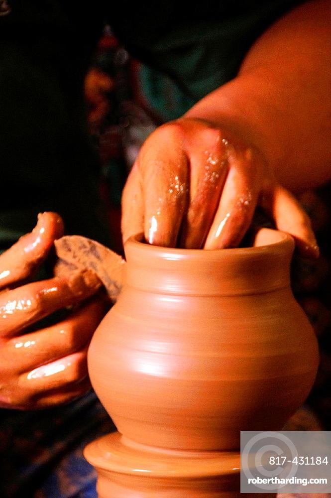 Potter at work at 'Sir Kupu Ceramik', Avanos, Cappadocia, Turkey