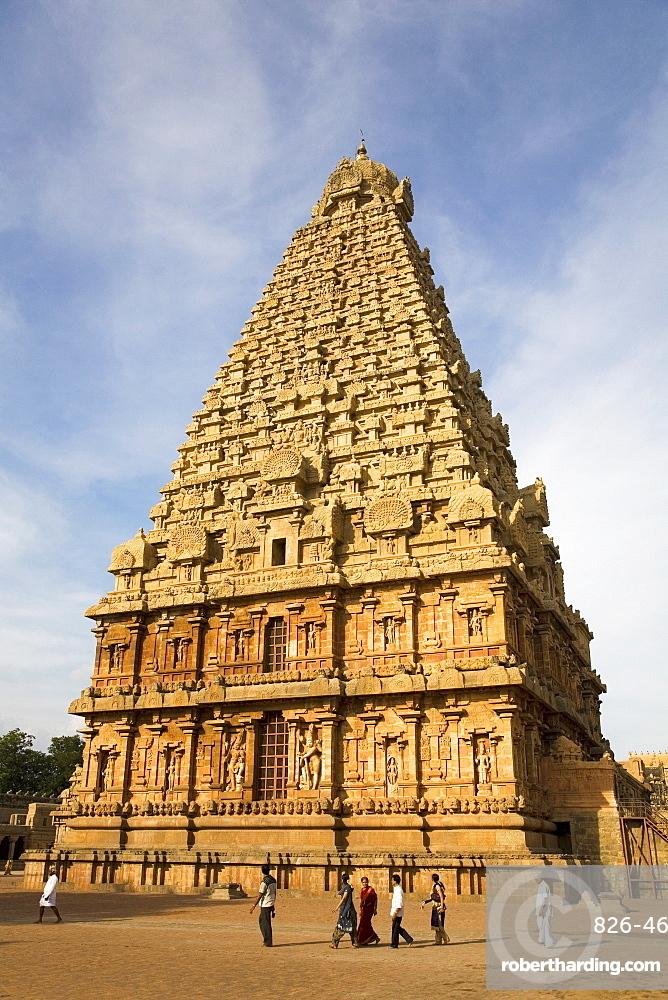 The gopuram of the Bridhadishwara Temple (Bridhadeeshwara Temple) (Great Chola Temple), Thanjavur (Tanjore), UNESCO World Heritage Site,Tamil Nadu, India, Asia