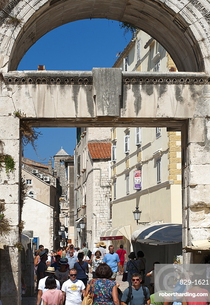 The Silver Gate (East Gate) to Diocletian's Palace, UNESCO World Heritage Site, Split, Adriatic Coast, Croatia, Europe